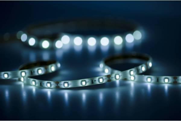 Jak taśma LED wzbogaci wnętrze Twojego mieszkania?